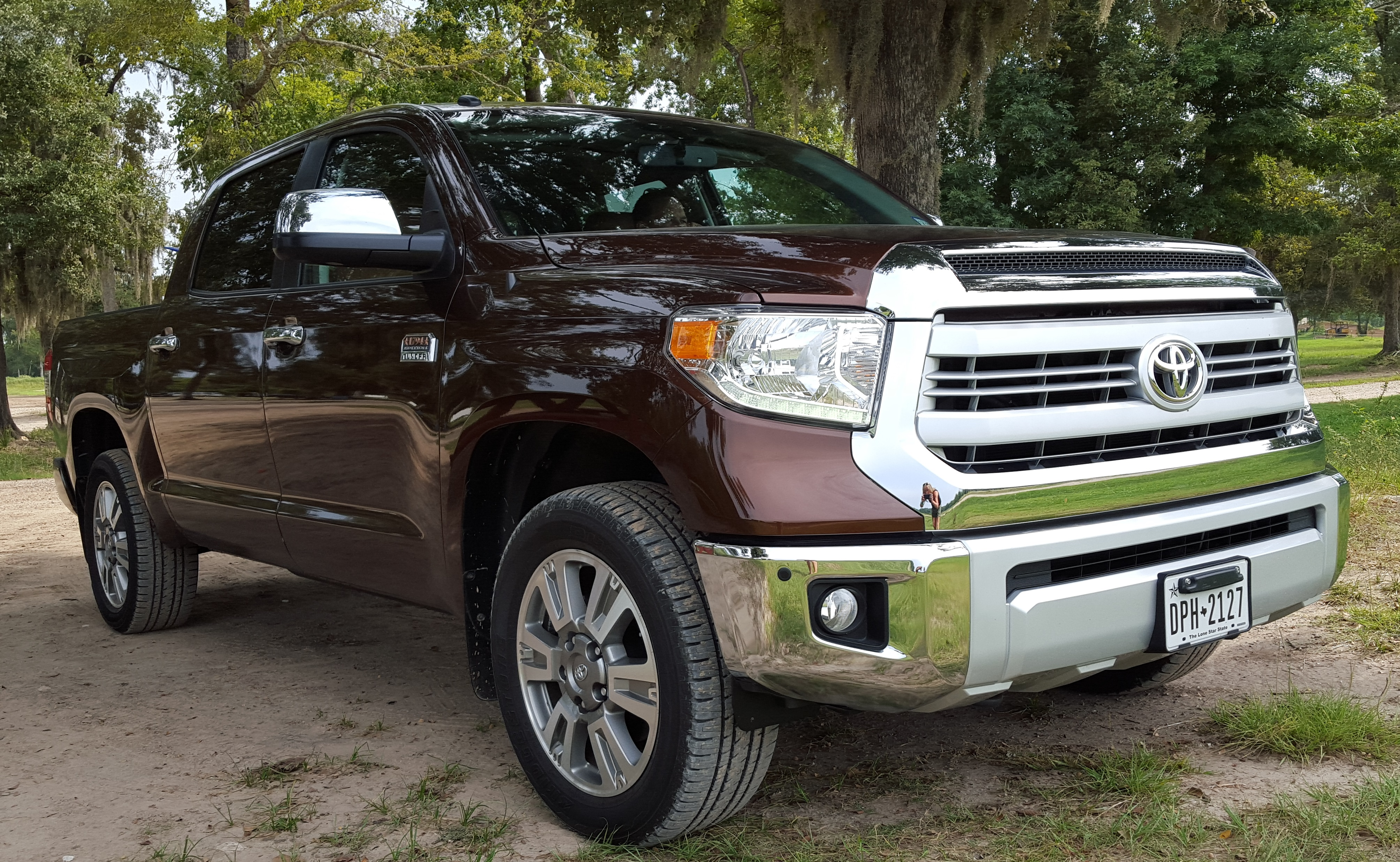 2015 toyota tundra all texas and all beefed up that. Black Bedroom Furniture Sets. Home Design Ideas